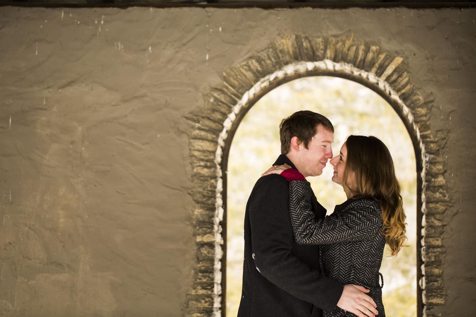 Kelsey-Brett-wintertime-snowfall-engagement-photography-by-Columbus-Ohio-based-Amy-Ann-00010