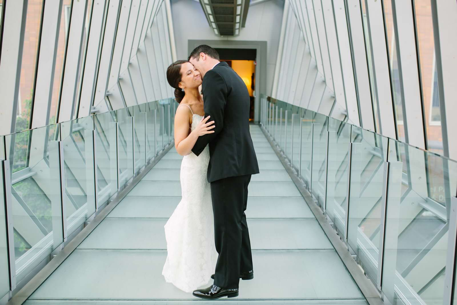 Talia-Brad-Jewish-Columbus-Museum-of-Art-wedding-photography-by-Amy-Ann-00021