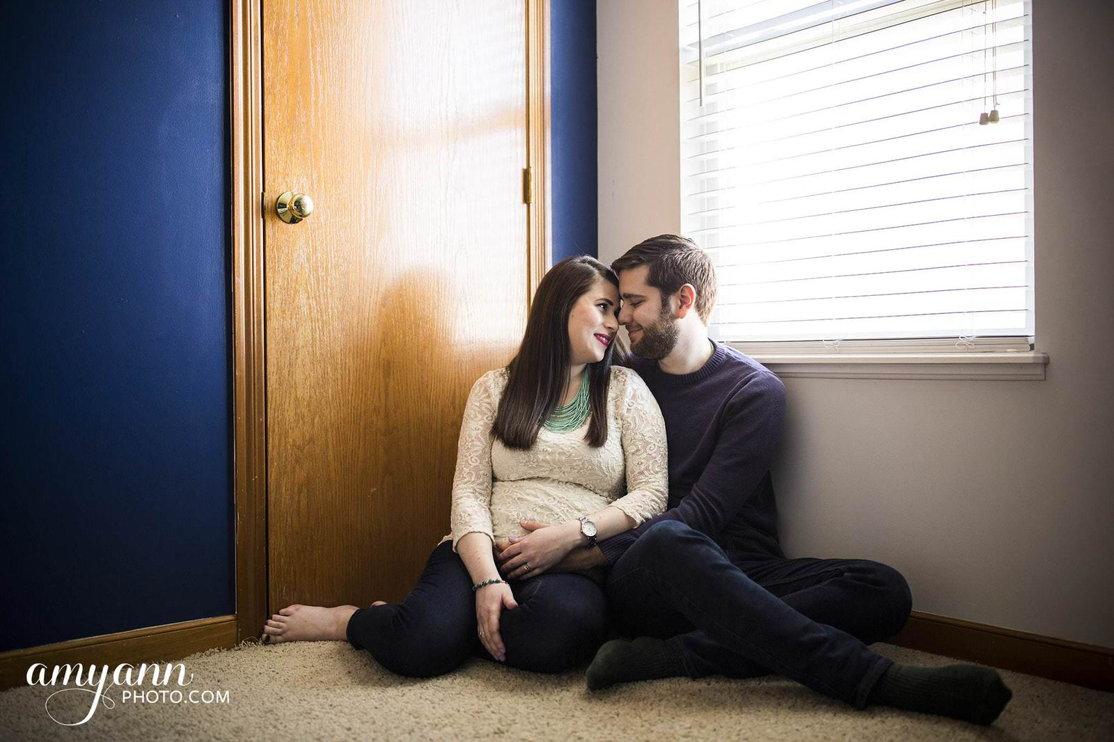 columbus ohio maternity photographer in-home couples session lifestyle