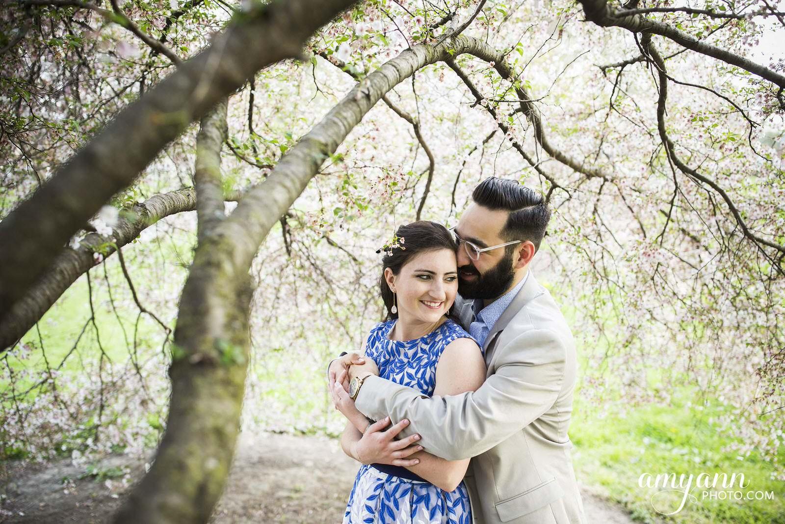 columbus ohio short north goodale park spring engagement photographer