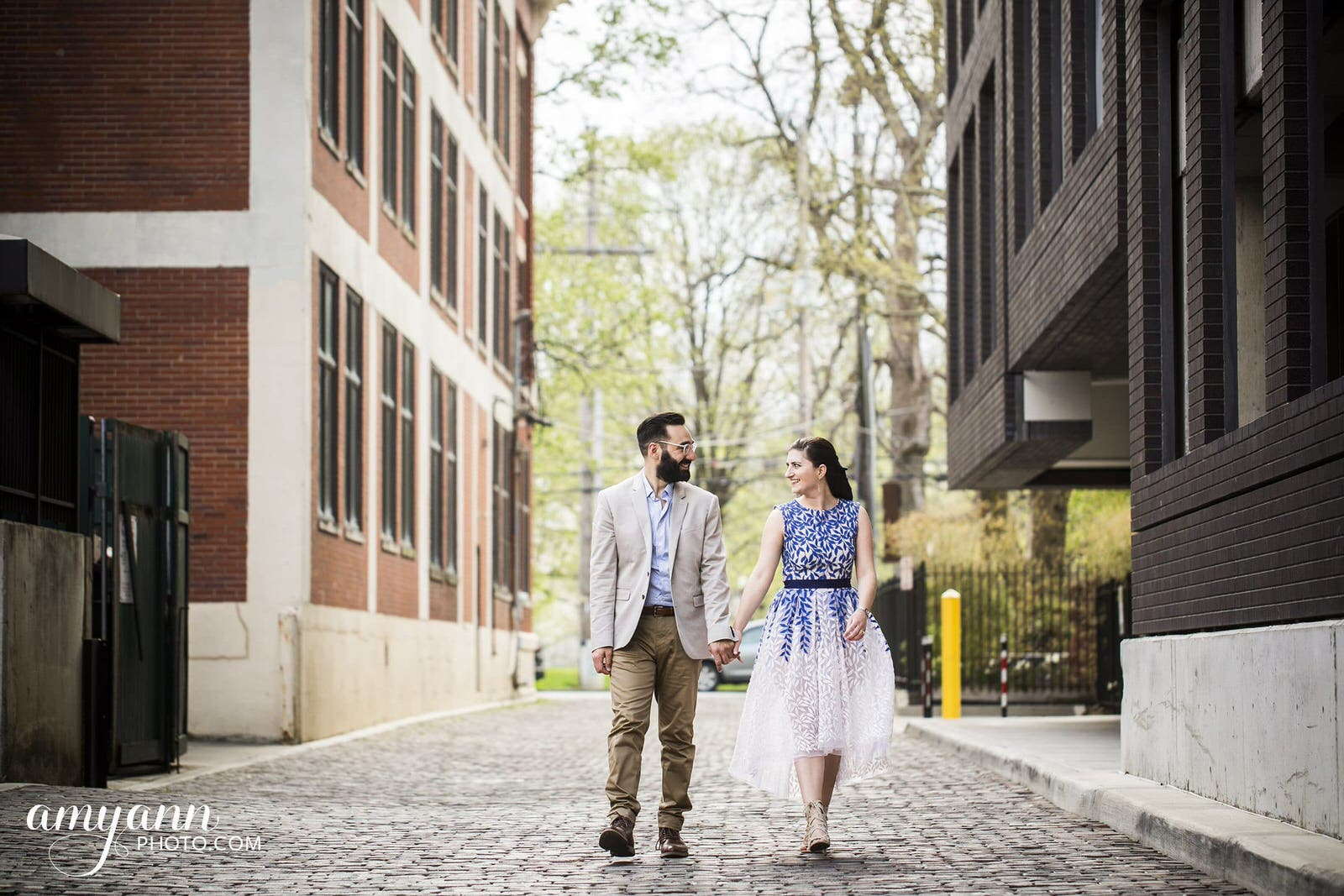 columbus ohio short north goodale park spring engagement photographer